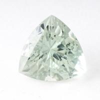 Зеленый берилл триллион вес 9.78 карат, размер 14.7х14.6мм (beryl0076)