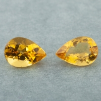 Пара ярко-желтых бериллов гелиодоров формы груша, общий вес 3.3 карат, размер 10х7мм (beryl0251)
