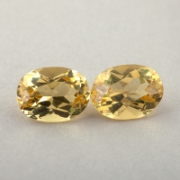 Пара ярко-желтых бериллов гелиодоров формы овал, общий вес 2.74 карат, размер 8.2х6.1мм (beryl0255)