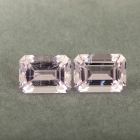 Пара бледно-розовых бериллов морганитов формы октагон, общий вес 7.35 карат, размер 10.9х7.9мм (beryl0265)