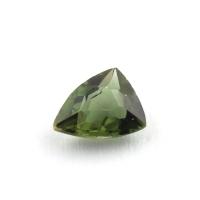 Желтовато-зеленый диопсид триллион вес 0.51 карат, размер 6х4.8мм (chrom0064)