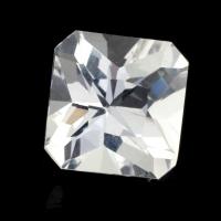 Бесцветный данбурит формы квадрат, вес 1.85 карат, размер 7.6х7.5мм (danburit0042)