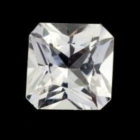 Бесцветный данбурит формы квадрат, вес 1.79 карат, размер 7.5х7.4мм (danburit0044)