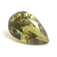 Желтовато-зелёный уральский демантоид груша, вес 0.57 карат, размер 6.8х4.3мм (dem0036)