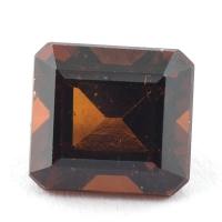 Коричневато-оранжевый гранат гессонит формы октагон, вес 2.85 карат, размер 8х7.5мм (hess0046)