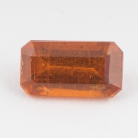 Оранжевый кианит формы октагон, вес 1.29 карат, размер 8.2х4.4мм (kyanite0079)