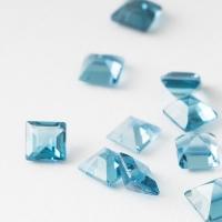 Топаз голубой london квадрат размер 3х3мм (london0054)
