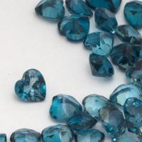 Топаз голубой «лондонского»  оттенка сердце средний вес 0.25 карат, размер 4х4мм (london0084)