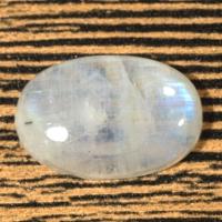 Лунный камень (беломорит) овал вес 23.46 карат, размер 24.4х16.1мм (moon0062)