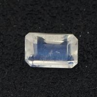 Огранённый лунный камень (беломорит) октагон вес 0.66 карат, размер 6.1х4.1мм (moon0072)