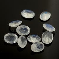 Ограненный лунный камень беломорит овал, размер 7х5 мм (moon0097)