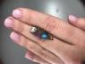 Австралийский болдер-опал груша вес 5 карат, размер 25.9х8.8мм (opal0591)