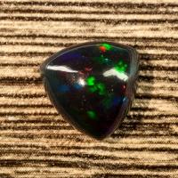 Черный эфиопский опал триллион вес 1.82 карат, размер 9.5х9.5мм (opal0636)