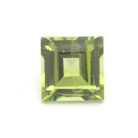 Хризолит (перидот) квадрат вес 1.57 карат, размер 6.8х6.55мм (perydot0077)