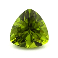 Хризолит (перидот) формы триллион, вес 6.3 карат, размер 12х12мм (perydot0120)