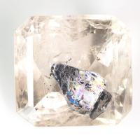 Кварц с включениями октагон вес 30.94 карат, размер 19.7х18.7мм (quartzinc0036)