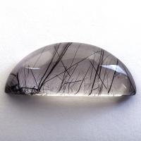 Кварц с включениями турмалина кабошон долька, вес 36.62 карат, размер 35.9х14.7мм (quartzinct0027)