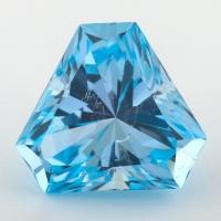 Небесно-голубой топаз отличной российской огранки формы треугольник, вес 21.83 карат, размер 16.3х16.3мм (sky0116)