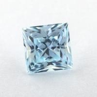 Небесно-голубой топаз российской огранки формы квадрат, вес 2.41 карат, размер 7х7мм (sky0158)