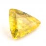 Золотистый сфен триллион вес 0.79 карат, размер 6.7х6.1мм (sphene0035)