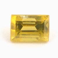 Золотистый сфен багет вес 0.78 карат, размер 5.5х3.9мм (sphene0050)