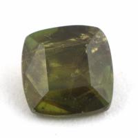 Зеленый сфен антик вес 0.79 карат, размер 5.4х5.3мм (sphene0068)