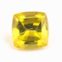 Золотистый сфен антик вес 0.5 карат, размер 4.7х4.7мм (sphene0076)