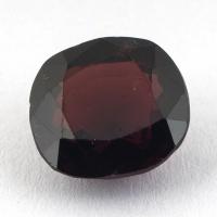 Тёмно-красная шпинель формы овал, вес 2.22 карат, размер 7.8х7.1мм (spinel0115)