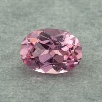 Розовая памирская шпинель отличной российской огранки формы овал, вес 0.7 карат, размер 6.3х4.6мм (spinel0243)