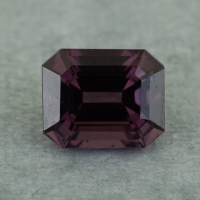 Темно-пурпурная шпинель октагон, вес 2.35 карат, размер 8.1х6.6мм (spinel0252)