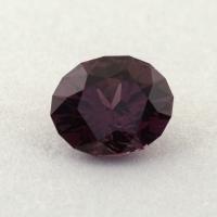 Темно-пурпурная шпинель отличной российской огранки формы овал, вес 0.85 карат, размер 6.5х5.3мм (spinel0267)