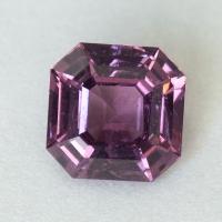 Светло-пурпурная шпинель формы октагон, вес 2.14 карат, размер 7.6х7.5мм (spinel0279)