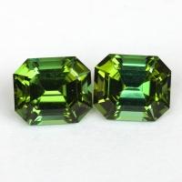 Пара зеленых турмалинов отличной российской огранки формы октагон, общий вес 2.96 карат, размер 7.3х6.3мм (turm0377)