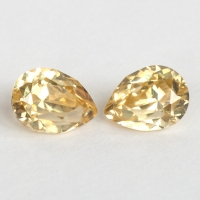 Пара золотистых цирконов формы груша, общий вес 2.82 карат, размер 7.2х5.3мм (zircon0190)